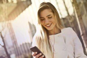 Ubezpieczenie czy usługa ochrony? Jak skutecznie zabezpieczyć swój smartfon?
