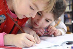 Jak ubierać dziecko do szkoły?